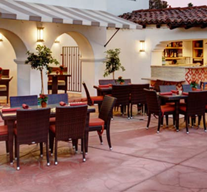 Onsite Dining and Pool Side Lounge at Triada Palm Springs
